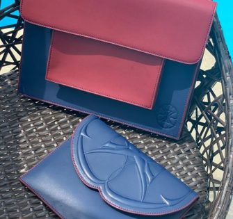 Il y a forcément une pochette qui vous convient chez nous 😉 - - - - -  #sacencuir #premiumhandbags #ladieshandbags #bagaddict #handbagstyle #tendance #bagstagram #handbagbranded #handbagoriginal #trendbags #handbagsonline #modefemme #brandedhandbag #handbagsforsale #fashionstyle #fashionmen #menbag #makeyourstyle #menswear - May 24, 2020