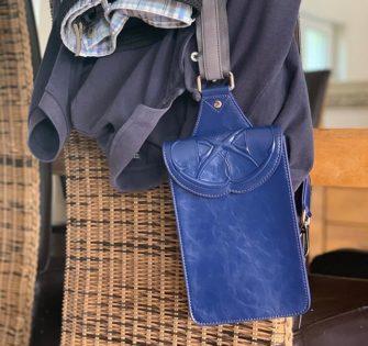 Pochette Jean en cuir 💙 - - - - -  #sacencuir #premiumhandbags #ladieshandbags #bagaddict #handbagstyle #tendance #bagstagram #handbagbranded #handbagoriginal #trendbags #handbagsonline #modefemme #brandedhandbag #handbagsforsale #bagformen #menwithclass #menstyle #menswear #menfashion #baglover #bagstore #shoponline #nocomplaining - June 1, 2020