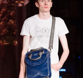 The new Lenzo from Marquis Collection - - - 📸: @yourparismoment - -  #fashionstyle #handtasche #accessories #fashionblogger #instastyle #instafashion #tasche #ledertasche #outfitideas #handbag #schweiz #summerbag #zürich #switzerland #memwithstyle #menwithclass #menaccessories #menbag #milano #london #praha #paris #munich #pfw19 #ss20 #oxfordfashionstudio - October 14, 2019