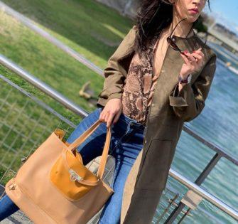Pour la ville comme pour la plage notre cabas Ludivine Sahara est le compagnon idéal - - - - - 👩🏻: @kimii_kamoo - -  #sacamaintendance #premiumhandbags #nouvellecollection #bagaddict #vêtementsfemme #nouvelleco #handbagpremium #bagscollection #handbagsforsale #maroquinerie #handbagshop #bagshopping #luxuryhandbag #myperfectbag - March 26, 2020