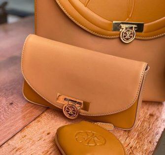 Se sont les détails qui font toute la différence - - - -  #fashionhandbag #sacamainaddict #bagslover #bagaholic #luxuryhandbagsssss #luxuryhandbag #handbagdesigner #handbags #bagsforsale #sacencuir #bagaddict #handbagfashion #luxuryhandbags #accessoiresdemode - March 31, 2020